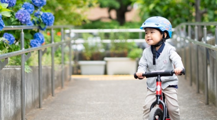 三輪車の少年